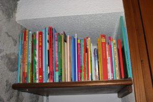 Un coin bibliothèque pour les enfants ...